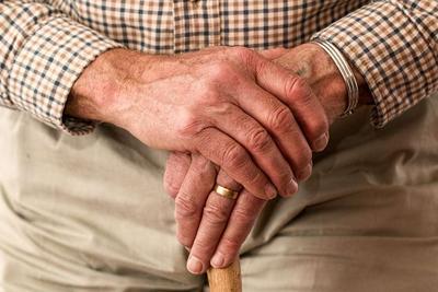 老人牛皮癣如何防治 防治牛皮癣要注意三方面